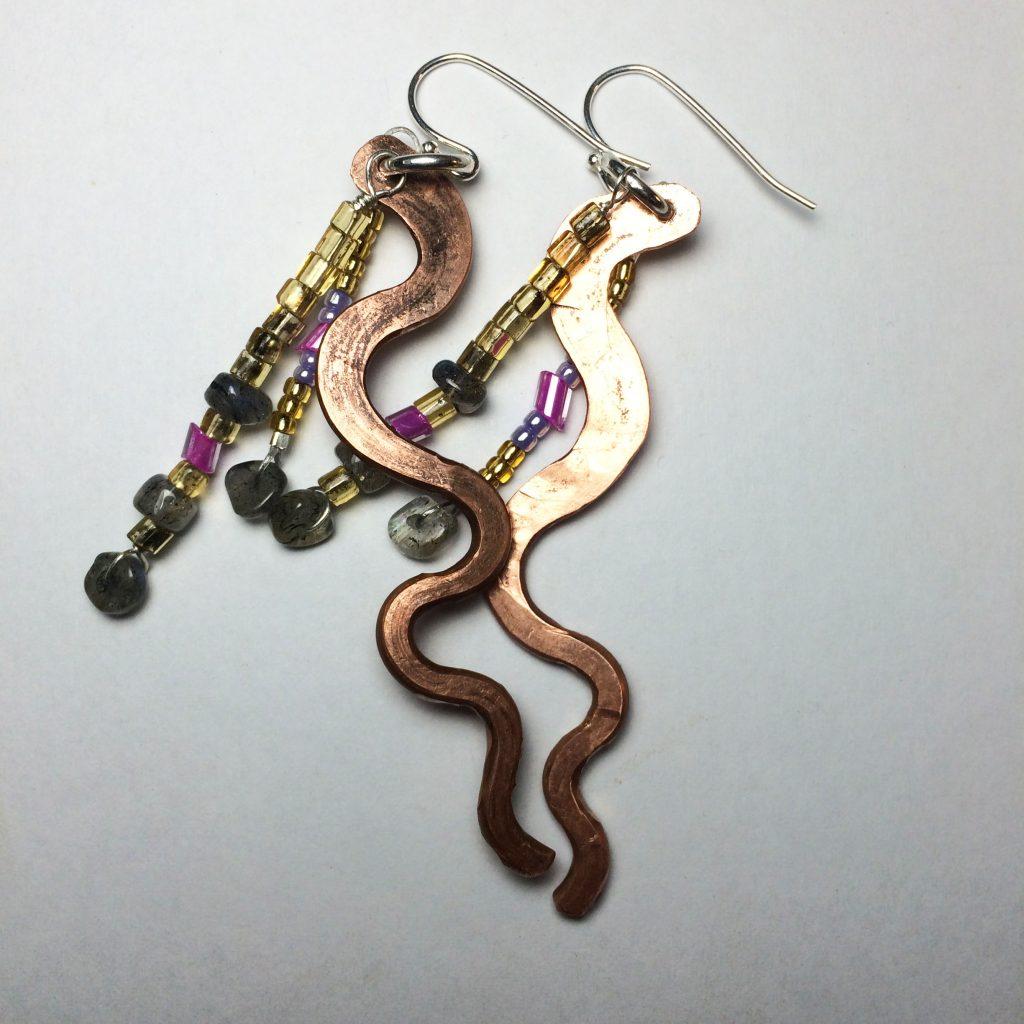 Curvy Dangle Copper Earrings With Labradorite